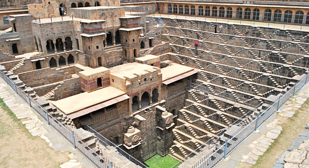 Images of Abhaneri India, Pictures of Abhaneri Rajasthan, Images of Abhaneri Step Well Rajasthan, Photos of Abhaneri Temple Rajasthan India