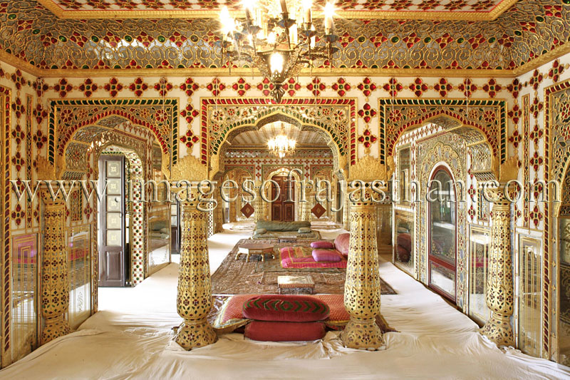 Images of city palace jaipur pictures of city palace for Aamantran indian cuisine